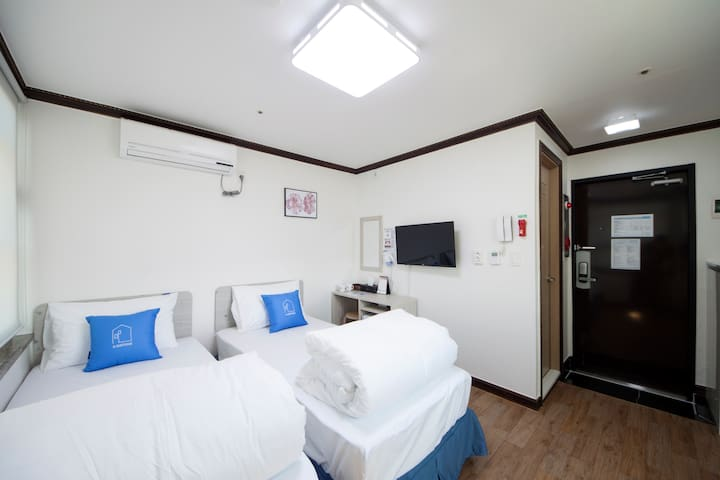 K-Grand Hostel Dongdaemun #Standard Twin Room01 - Seongdong-gu