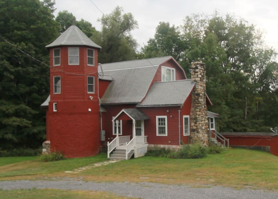 Totally refurbished 1920s Barn on 85 very private acres