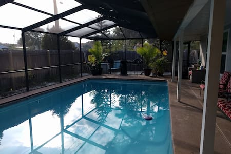 Sue Casa - Fun in the sun with pool - Tarpon Springs