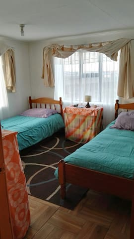 Habitación Espaciosa y comoda para 2 o 3 personas