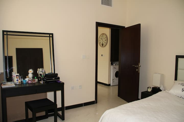 New 1 Bed Furnished Apartment - Long Term Lease - Dubai - Pis