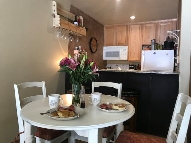 Beautiful and Cozy 2bd 1BA in Downtown Winter Park