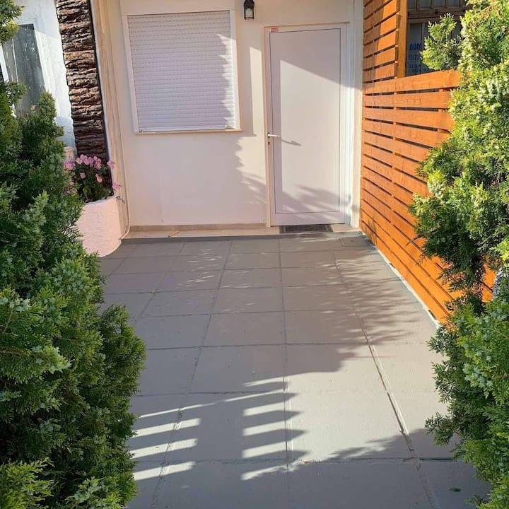 LILAS HOUSE 2 (privite parking) Luxury Studio Loft
