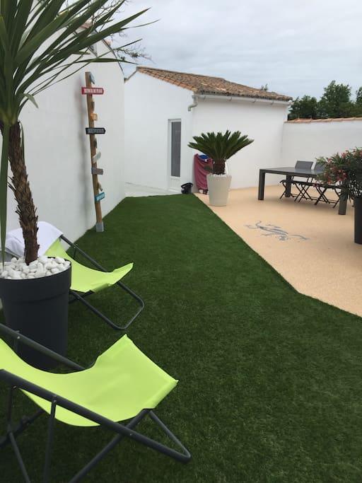 Maison ville rdc spa 150m plage maisons de ville louer la couarde sur mer aquitaine - Terrasse jardin botanique montreal poitiers ...