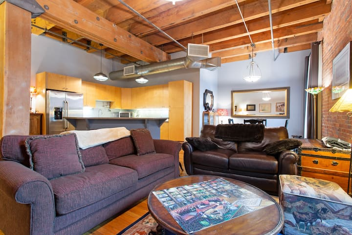 HISTORIC LOFT STEPS FROM UNION STATION!