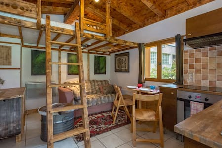 Cosy 3-person chalet, close to central Chamonix - Chalet