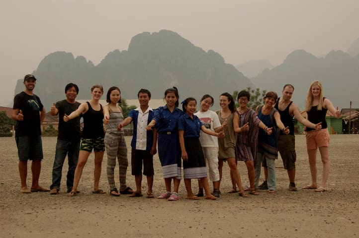 Non-profit homestay and volunteering: (double) - Vang Vieng - Hus