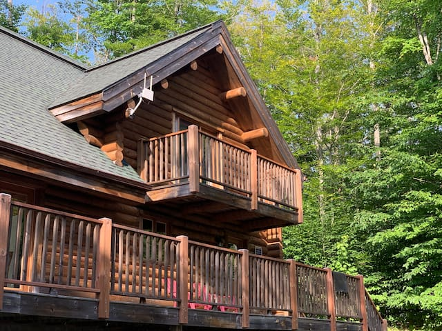 Chalet Salwa, Mont-Tremblant area(up to 16 guests)