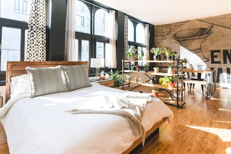 The Historic 1800s Loft in Old Montreal