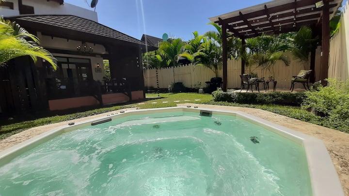 Villa Jarabacoa  Río, piscina, jaccuzi privado!