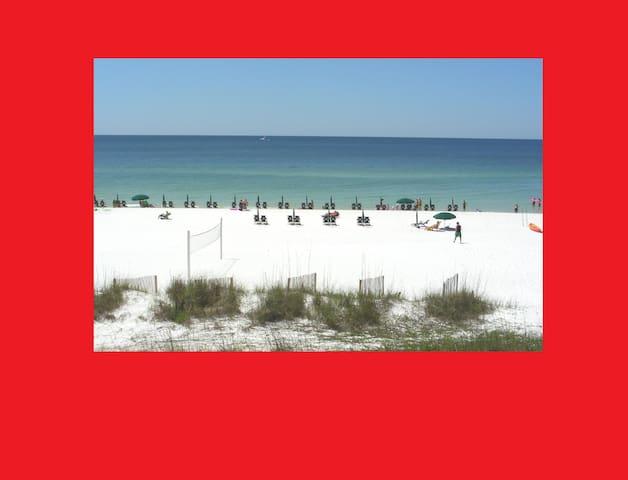 Platinum Beachfront Condo!  Sept 11-14 Available!