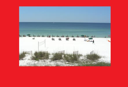 Platinum Beachfront Condo!  Sept 11-14 Available!