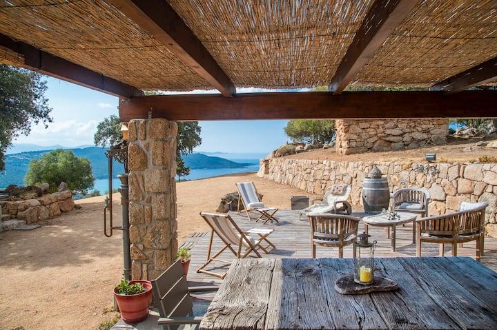 Authentique bergerie Corse, splendide vue mer