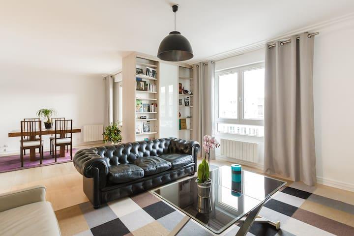 35m² room with private balcony - Paris - Apartment
