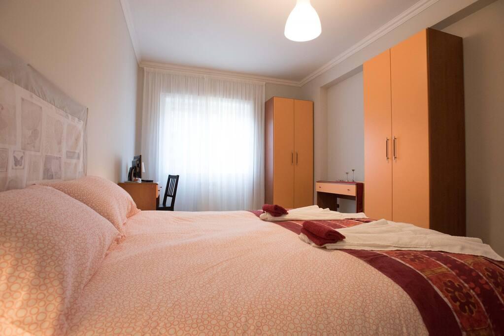 Camera doppia piccola italia appartamenti in affitto a for Camera roma