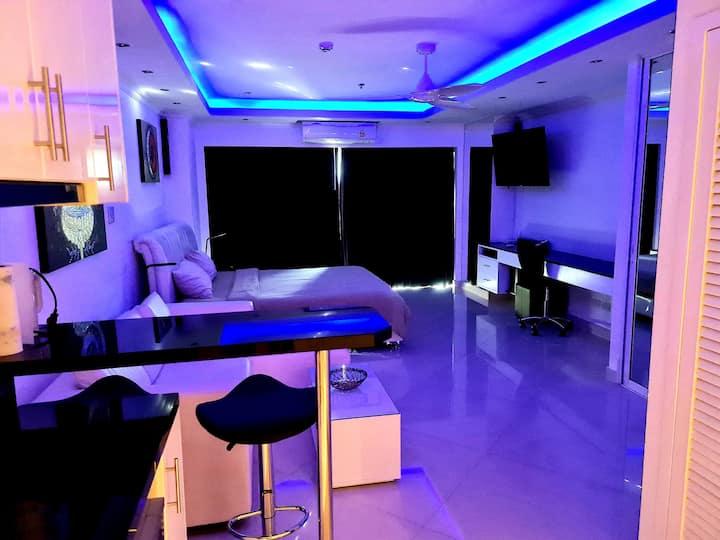 Luxury Beach Studio-Central Pattaya