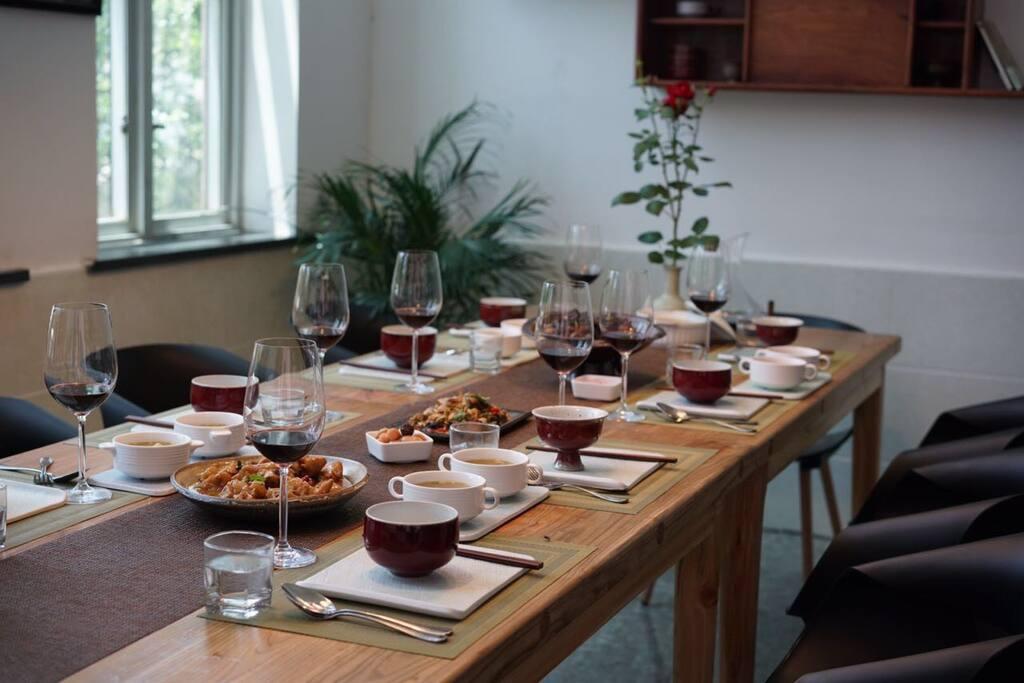 每天只接一桌的家宴定制,注重食材、养生、和用餐环境
