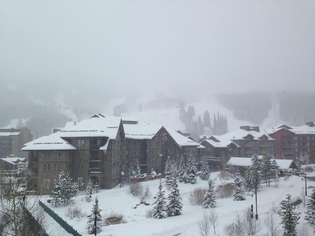 Copper Mountain - Center Village 1-Bedroom PLUS!