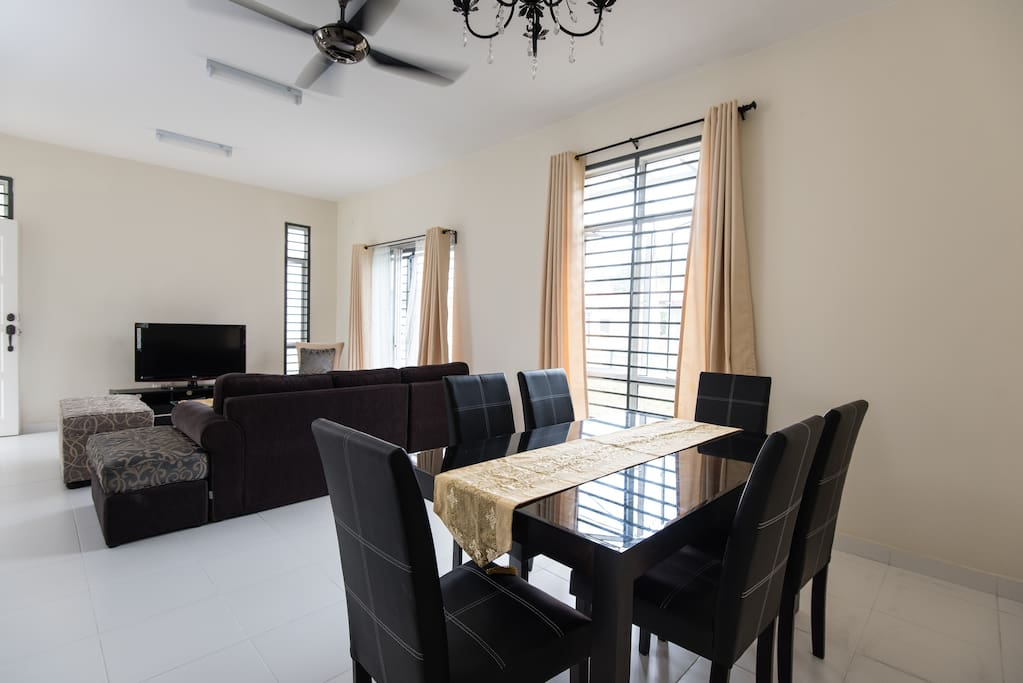 Ample space of living and dining area