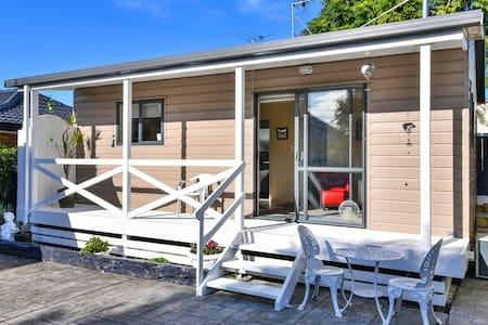 CARNOUSTIE COTTAGE AUCKLAND - Auckland
