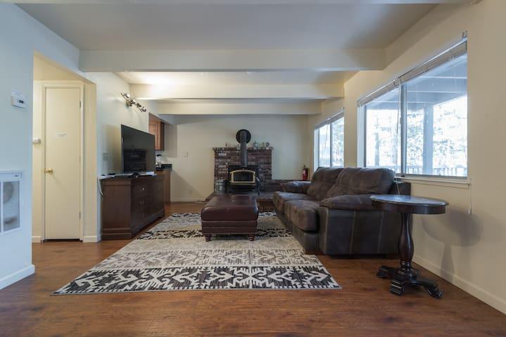 Remodeled 3BR Lake Tahoe House