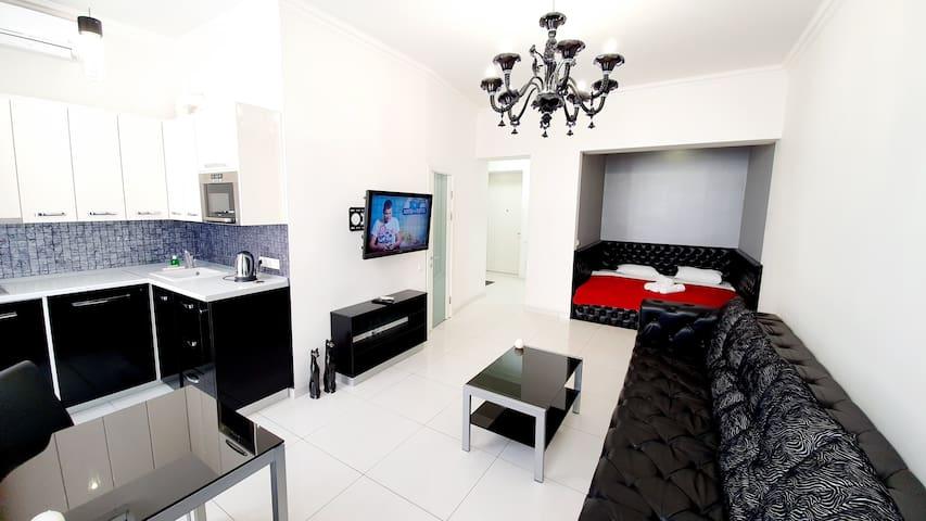 Modern apartment on Maidan - 2 Sofiivska str.
