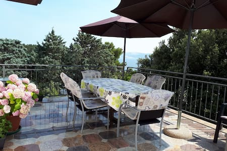 Selce- beautiful,spacious flat near the beach(6+1)