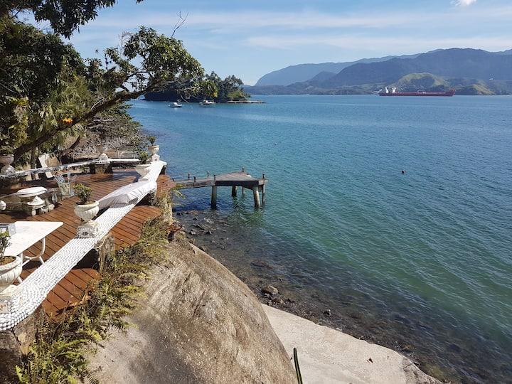 Suite próxima a água do mar (Ilhabela)