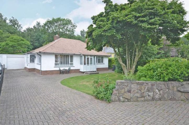 **Modern Bungalow - Close To CELTIC MANOR GOLF**
