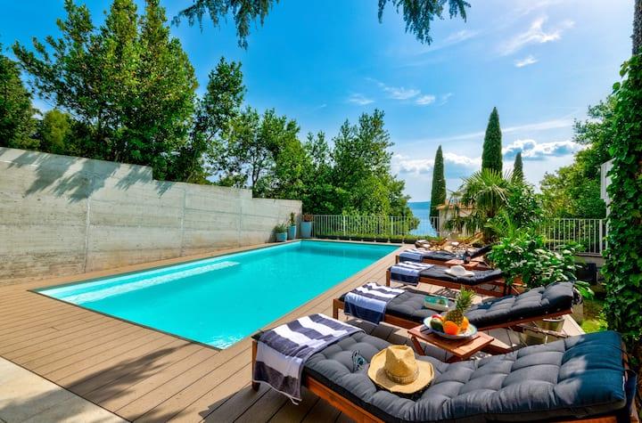 Villa Fiore Crikvenica with heated pool
