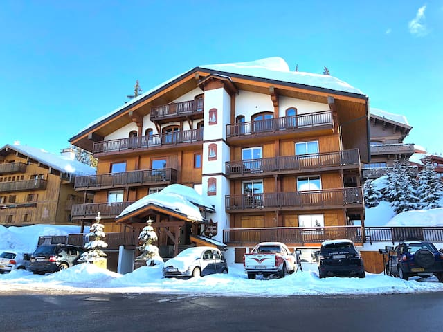 Luxury in Courchevel Center with Terrace! #S100