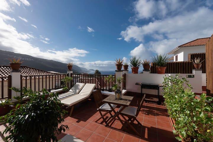 Private sun terraces with ocean&volcano views, concierge, wifi, in Villa [I]