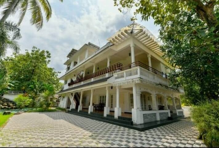 Private Rooms with kitchen  in Cochin