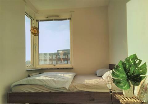 Gemütliches & sonniges Zimmer  im hippen zentralen Bereich