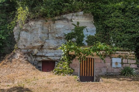 Cave House from 17th century with Accommodation