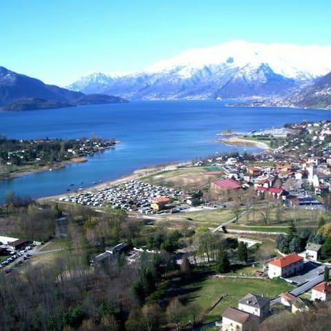Rustico vista lago como - Sorico - Rumah