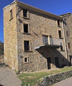 Belle maison de village - Marignana - Hus