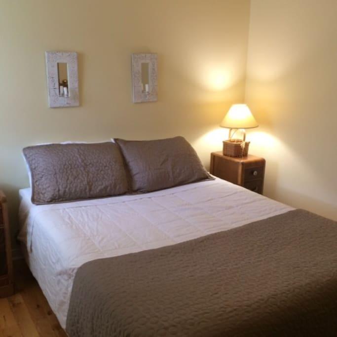 Master bedroom, Queen Size bed, Fresh Linens