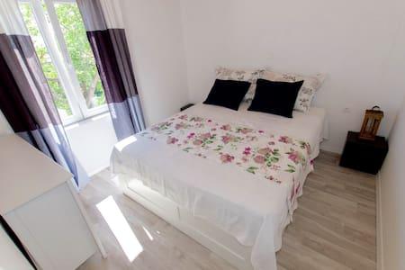 SHARMING and BEAUTIFUL apartmant - Makarska - Wohnung