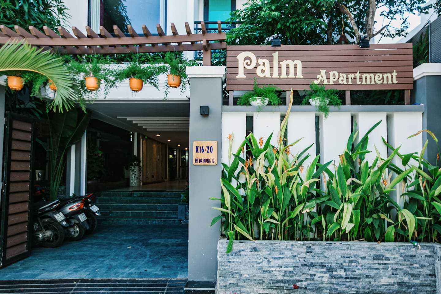 the look from outside of Palm Welcome everyone to our place Stay with us, feel like home