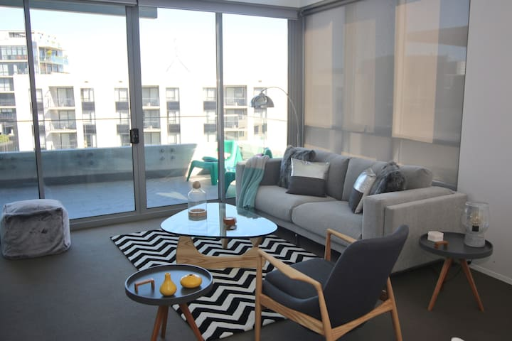 TopFloor@Barton - stylish, great location, treats! - Barton - Apartament