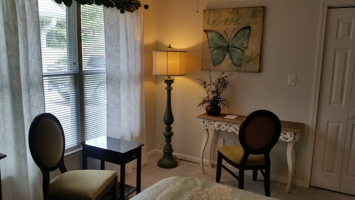 Southern Comfort - Stockbridge Lakes Bed & Breakfast
