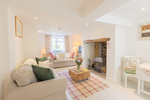 Little Gem  - Stunning Country Cottage