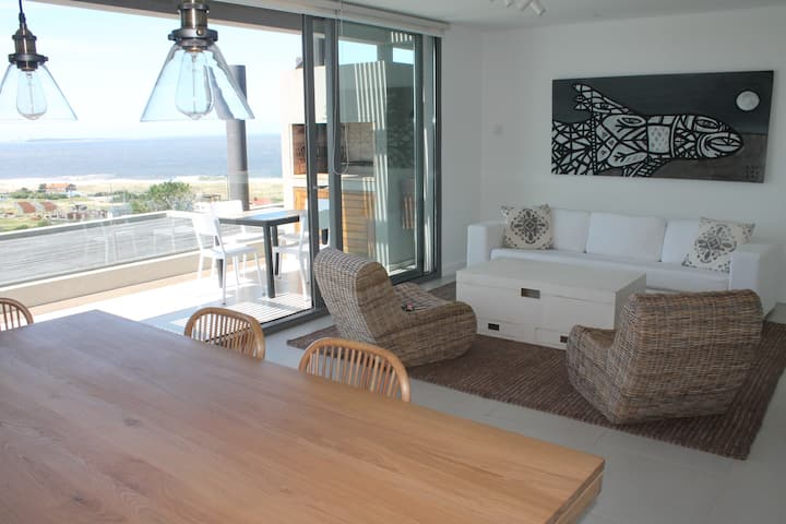 Altamar, 2 bedroom, sea view 5PAX B8