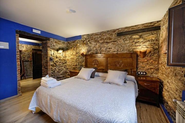 La Tejera Padel - Doble con cama extra grande. Baño privado.  - Tarifa estandar (opcion supletoria)