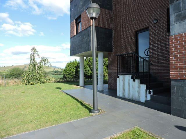 Piso urbanización privada,situación privilegiada. - Cantabria - Jiné