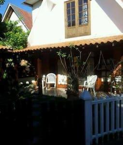 Excelente casa 4 quartos - condomínio fechado - Iguaba Grande - Casa