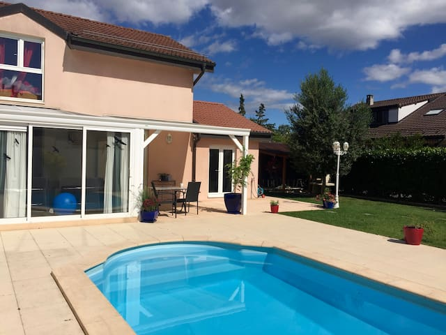 Sunny house with swimming pool and garden - Vernier - Dom