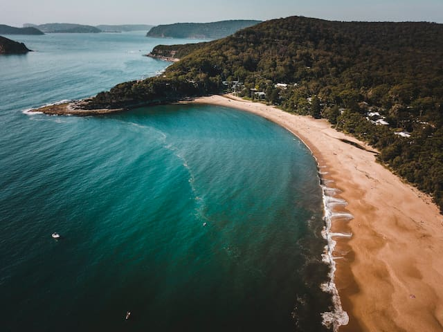 The Black Pearl's Guide to everything Pearl Beach