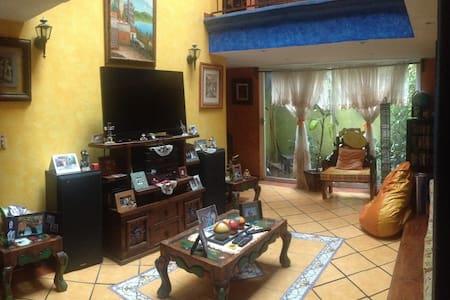 Bonita y amplia Casa estilo Colonial en XOCHIMILCO - Πόλη του Μεξικού